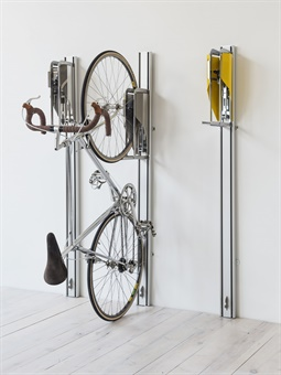 The Parkis rack is especially user-friendly because it requires virtually no physical effort to lift it.