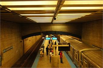 Chicago Transit Authority's Logan Square station before it was overhauled. Photo courtesy cta web via Flickr.
