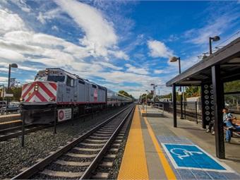 Caltrain Mountain View Station Photo: Matheus Gonçalves/Flickr