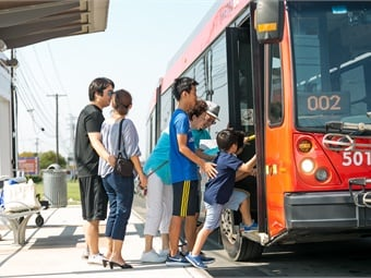 In their six-month pilot on Austin's MetroRapid BRT line, the Capital Metro team uncovered best practices around dynamic and proactive headway management.