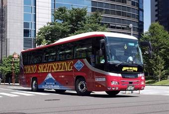 Japan's Tourism Ministry is launching a pilot program for bus companies to share drivers during lulls in tourism. Photo via Comyu/Wikimedia