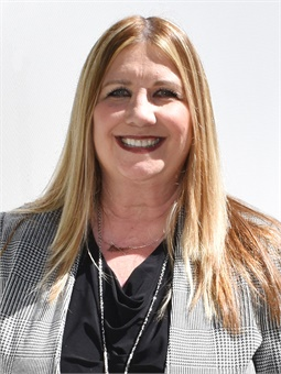 Southern California transit veteran Connie Raya recently joined Omnitrans as director of maintenance.