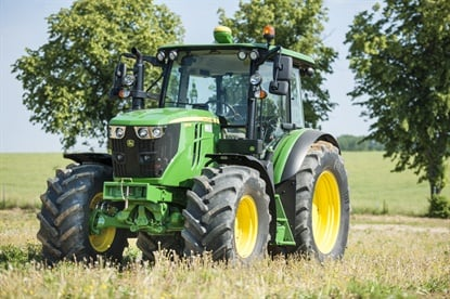 The John Deere 6MC, 6RC, 6M and 6R mid-sized tractors are available with OE Continental Tractor70 and Tractor85 tires.