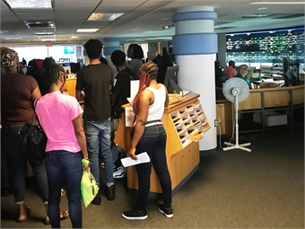 Students touring SEPTA's Control Center. Photo: SEPTA