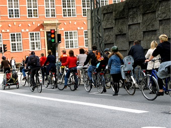 Denmark has a strong cycling culture, with 30% of daily trips in Copenhagen made by bicycle – even in the northern winter.