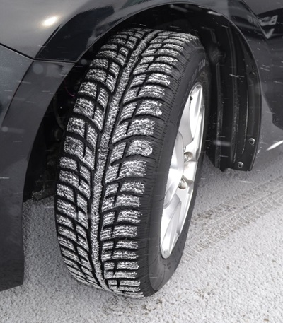 Features of the new BFGoodrich Winter T/A KSI  include a serrated shoulder profile similar to the brand's All-Terrain T/A KO2 tire that help the vehicle smoothly climb out of ruts on a snowy road.