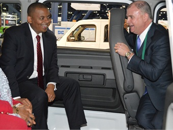 John Walsh (right) with Secretary of Transportation Anthony Foxx at last year's APTA EXPO.