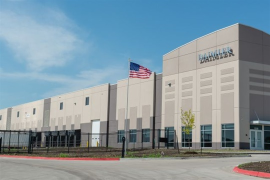 With the opening of this parts distribution center in Grimes, Iowa, Daimler Trucks North America says it can now deliver 80% of dealer order volume in the U.S. by the next day.