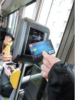 The new open payment solution enables users to avoid queuing and purchasing tickets from vending machines. Keolis
