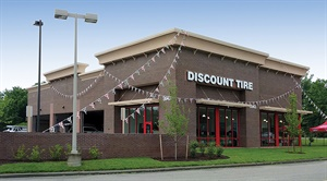 The store in Henrico, Va., is one of 15 Discount Tire outlets opened in the first six months of 2018 by Scottsdale, Ariz.-based Reinalt-Thomas Corp.