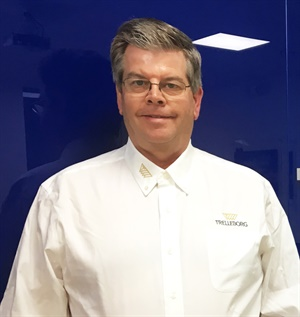 Douglas Saville's 30 years of experience includes 14 years running his own tire dealership.