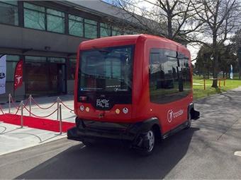 EasyMile driverless technology equips a Transdev shuttle.