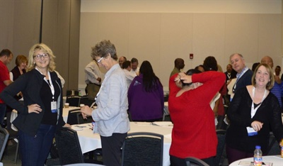 Miller also got attendees on their feet and in pairs for some interactive observation exercises.
