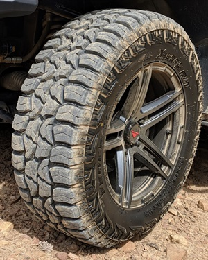 The Xplora R/T tread is designed with stone ejectors that help prevent stone retention and increase the life of the tire.