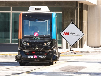 In January 2018, First Transit partnered with the Minnesota Department of Transportation, EasyMile and 3M to demonstrate shared autonomous vehicle capabilities in winter weather. Photo: First Transit