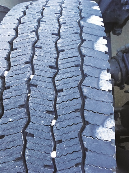 Mechanical problems with trucks always show up in tire treads. A trained eye can easily determine the cause. Tire analysis guides can be an equally revealing source of information.