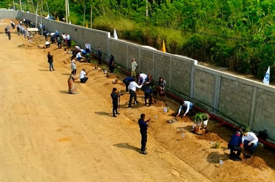 Guests who attended the grand opening of GRI's new specialty tire factory in Sri Lanka planted more than 50 trees on the property as part of the company's efforts to protect the environment.