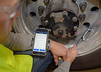 New Tire Optix software instantly uploads tire pressure information via Bluetooth device and instantly shares it with fleet owners.