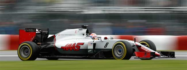 Achallenging start to the weekend for Grosjean in his VF-16.