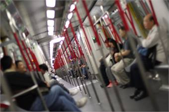 Hong Kong metro photo via Wikimedia Commons by yeowatzup