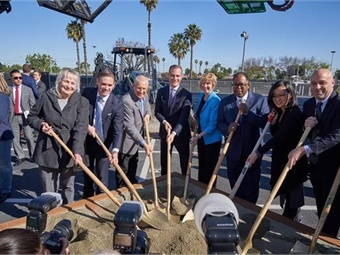 Los Angeles Mayor Eric Garcetti (center) was joined by Councilmember Mike Bonin, Supervisors Janice Hahn and Mark Ridley-Thomas, Board of Airport Commissioners (BOAC) President Sean Burton and Los Angeles World Airports (LAWA) CEO Deborah Flint, as well as community and labor leaders at the groundbreaking ceremony. Photo: Office of Mayor Eric Garcetti