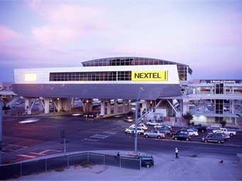 In 2003, as one of the first sponsors of the Las Vegas Monorail, Nextel opened Nextel Center, a massive experiential marketing environment on the Las Vegas Monorail station at the Las Vegas Convention Center. The sponsorship remained active for four years. Las Vegas Monorail