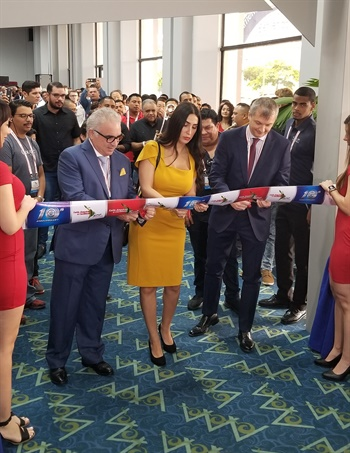 Gustavo (Gus) Lima, CEO; Linda Bassitt, president; and Marco Zigni, vice president of the Latin American & Caribbean Tyre Expo, had the honor of cutting the opening ribbon to start the show.