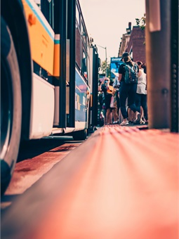 With level boarding and additional improvements to its bus stations and traffic signals, Everett is building on its rush hour bus-only lane on Broadway, which made national headlines in 2016.