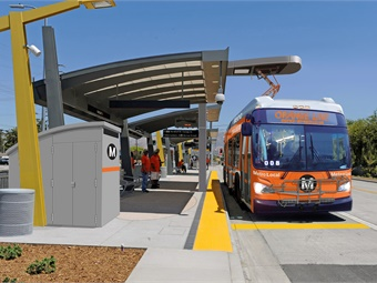 After a successful demo project, LA Metro is moving ahead with a full implementation of electric buses beginning with 40 New Flyers and 65 BYDs that will be used on its Orange and Silver BRT lines. New Flyer