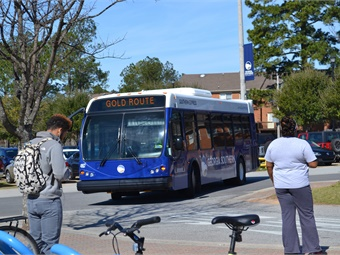 While contracting continues slow but steady growth in fixed-route bus and paratransit operations, more and more colleges and universities are electing to privatize, with an eye toward more innovative transportation solutions.