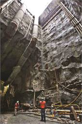 Construction of a shaft in connection with the extension of New York City's No. 7 line subway, which is being extended 1.5 miles from Times Square to the far west side of Manhattan. (Photo by David Sailors. Courtesy of Parsons Brinckerhoff.)