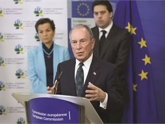 Former New York City Mayor Michael Bloomberg with Executive Secretary of the UN Framework Convention on Climate Change Christiana Figueres and Paris Deputy Mayor Patrick Klugman. Photo via Compact of Mayors.