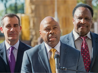Metro CEO Phil Washington flanked by Los Angeles Mayor Eric Garcetti (on left) and Inglewood Mayor James T. Butts (on right) at a media event in March 2015.