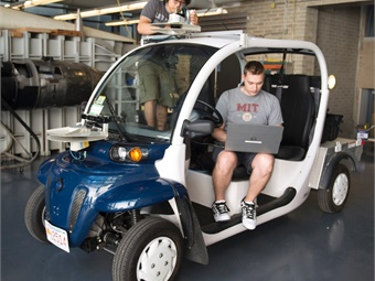 An on-demand electric shuttle that will operate on both city roads and campus walkways on MIT's campus.Photo: Ford