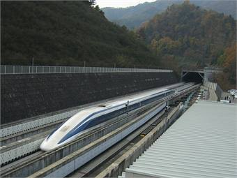 Maglev train photo by Yosemite via Wikimedia Commons