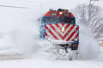 Metra photo by @KevinB1981 via Twitter pic.twitter.com/GgTD4fCqyI