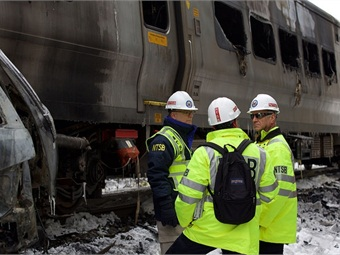 NTSB Member Sumwalt and investigative team discuss details of the Metro North crash. NTSB