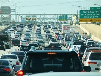 A new study found that the indirect, hidden costs of driving, such as sitting in traffic and searching for parking, carry a significant economic burden for drivers in the U.S. Photo: B137 Wikimedia Commons