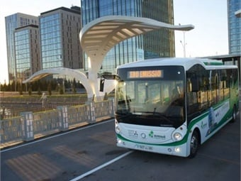 One of the Higer Quazar all-electric buses, powered by fast-charging Microvast batteries, that will be operating throughout the summer during Expo Astana 2017 in Kazakhstan.