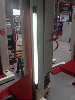 Consisting of two IP-67-rated fixtures, illumination is available on all mobile lifts.