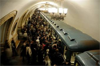 2007 photo of Moscow Metro - Christophe Meneboeuf via Wikimedia Commons