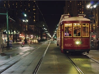 NOLA streetcar headed down Canal St. in New Orleans. Photo: David C/Flickr