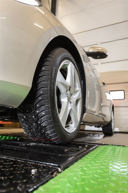 SnapSkan is a drive-over tire tread depth system designed to help consumers be better informed on the condition of their tires.