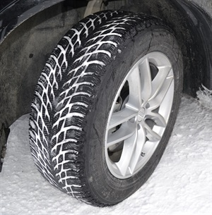 """The new Hakkapeliitta R3 and R3 SUV tires feature Nokian's patented pocket-shaped """"pump"""" sipes, which draw water into the tire and pump it back out when the tire is on ice, allowing the tire to fully touch the driving surface."""