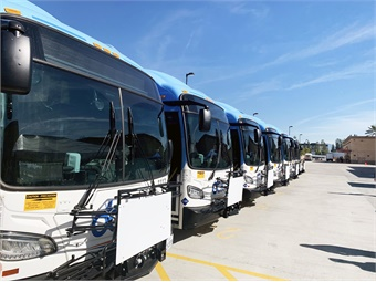 The battery-electric Xcelsior CHARGE H2 buses, built by New Flyer, use compressed hydrogen as an energy source. CTE