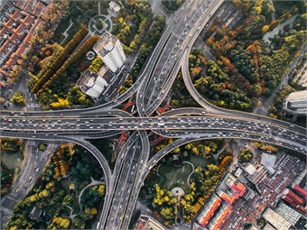 """A key promise the """"smart city"""" holds of reducing traffic congestion remains unrealized. Optibus"""
