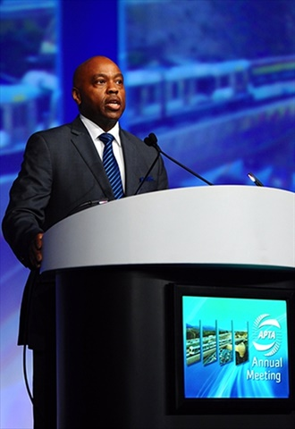 Metro CEO Phil Washington speaks at the annual meeting of the American Public Transportation Association in Los Angeles in Sept. 2016. (Photo credit: LA Metro.)