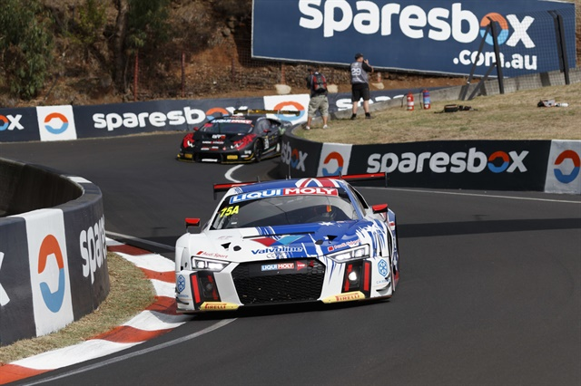 TheBathurst 12 Hours takes p[lace on thethe Mount Panorama track, one of the most epic on the planet.