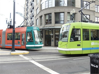 With the grant, Portland Streetcar Inc. will work with the Portland Bureau of Transportation and Portland Bureau of Planning and Sustainability to study potential zoning changes, traffic impacts, and development opportunities in the corridor, including an eventual east-side connection to Hollywood.Portland Streetcar