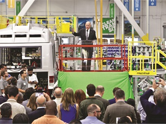 California Gov. Jerry Brown discussed clean air policy during the commemoration of Proterra's new electric bus manufacturing facility in Los Angeles County in July 2017. Photo courtesy of Proterra and Dominic Bolton.